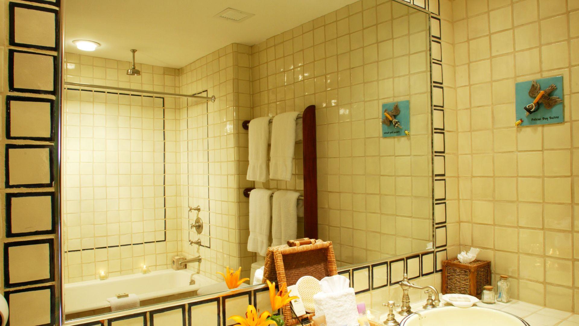 Hotels in Grand Bahama Island | Pelican Bay Hotel